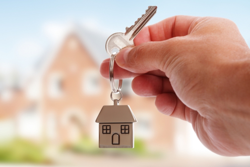 Choosing Luxury Single Family Homes Vs. Luxury Condo